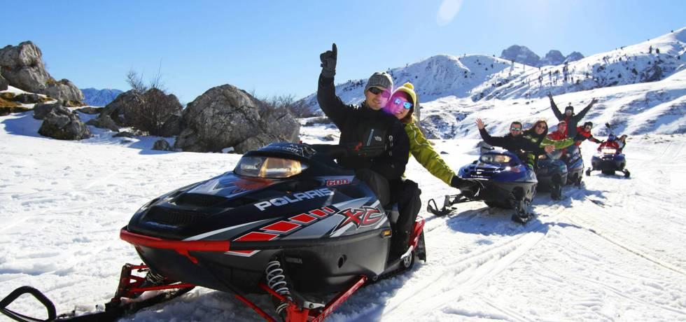 Excursión en motos de nieve.