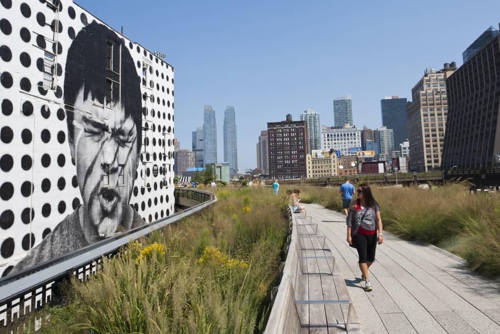 Paseando por la High Line, en Manhattan (Nueva York).
