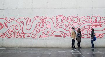 Grafiti de Keith Haring en una ruta de Trip4real por Barcelona.