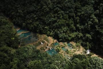 Vista aérea de las pozas de Semuc Champey (Guatemala).