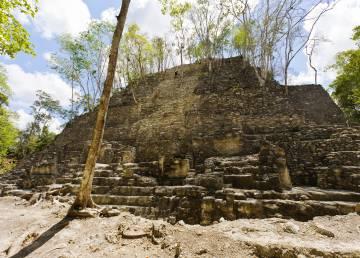 Pirámide de La Danta, en el yacimiento maya de El Mirador (Guatemala).