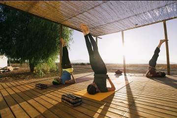 Clase de yoga en Casa Bhakti, en Granada.