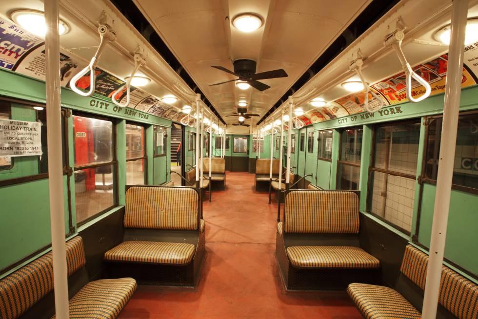 Um vagão de metrô de 1932 no Museu do Trânsito de Nova York.