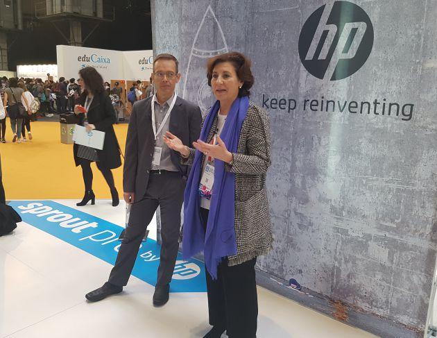 Helena Herrero, presidenta de HP España, y Xavier García, director general de impresión de Gran Formato de la compañía, en YoMo.