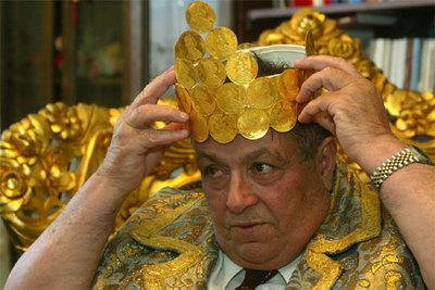 El  emperador  de los gitanos de Rumanía explica su demanda para obtener una reparación por las deportaciones masivas durante la Segunda Guerra Mundial.