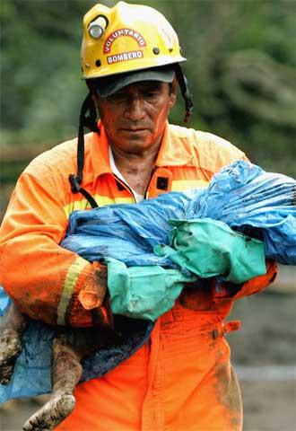 Unas 1.400 personas han muerto sepultadas al producirse una avalancha de lodo en la localidad guatemalteca de Panabaj.