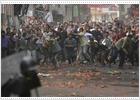 Al menos tres muertos en Nepal durante las protestas contra el rey Gyanendra