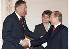 La UE y Rusia firman un pacto para poner fin a la crisis del gas
