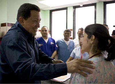 Hugo Chávez inaugura un hospital en Sanare, en el Estado de Lara, el pasado sábado.