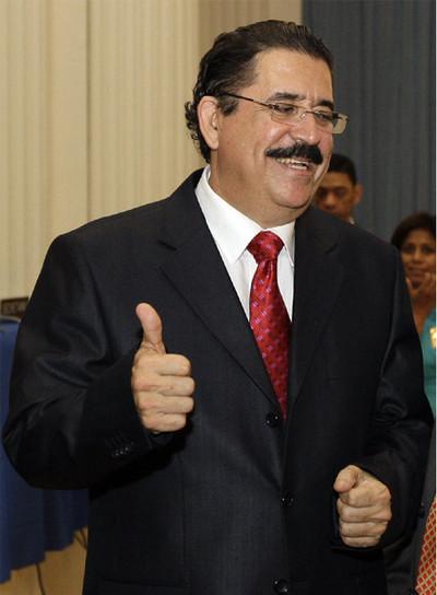 El depuesto presidente hondureño, Manuel Zelaya, durante su visita a Washington.