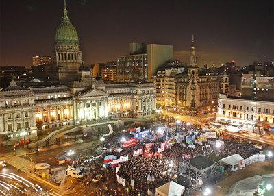 Marcha a favor del matrimonio entre personas del mismo sexo frente al Congreso Nacional en Buenos Aires.
