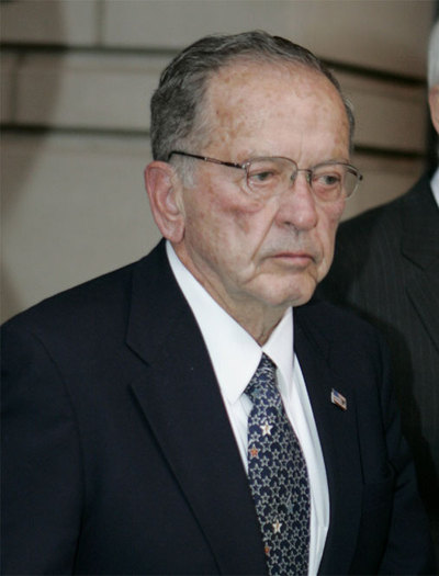 Mentor de Sarah Palin, representó a Alaska en el Senado de EE UU entre 1968 y 2008