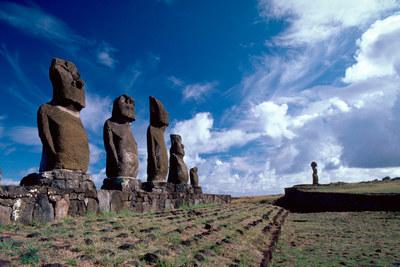 Esculturas moais en la isla de Pascua, Chile.