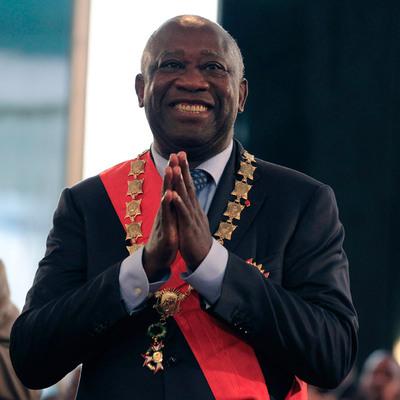 Laurent Gbagbo, tras la ceremonia donde ha jurado el cargo como presidente.