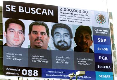 Imagen de una valla en la que se ofrece una recompensa de 2.000.000 millones de pesos-120.000 euros- por informaciones que conduzcan a la captura de los capos de La Familia.