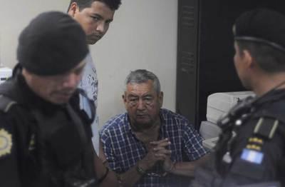 Autoridades guatemaltecas custodian al al presunto narcotraficante guatemalteco Waldemar Lorenzana Lima