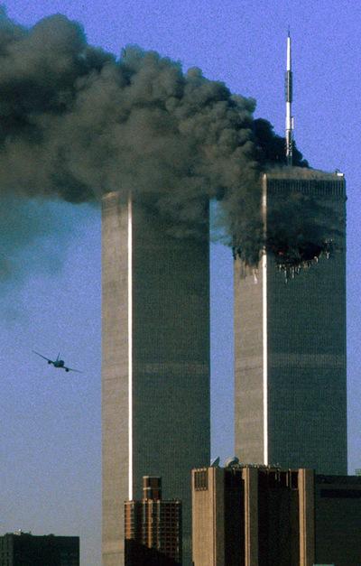FOTOGALERIA: La segunda avioneta contra las Torres Gemelas