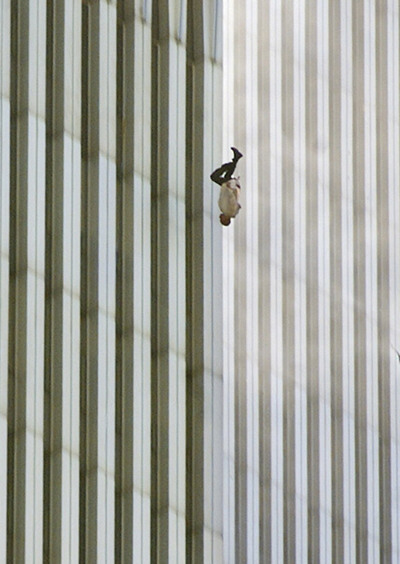 Imagen del fotógrafo Richard Drew titulada 'Falling Man.