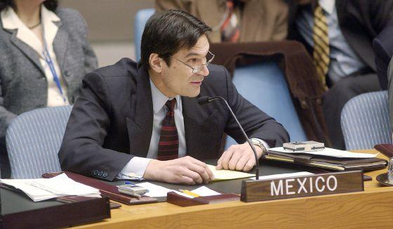 Foto de 2003 del embajador mexicano en Venezuela, Carlos Pujalte, entonces representante permanente de México ante la ONU.