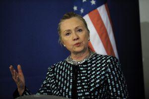 La secretaria de Estado Clinton, en Sofía (Bulgaria) este domingo.