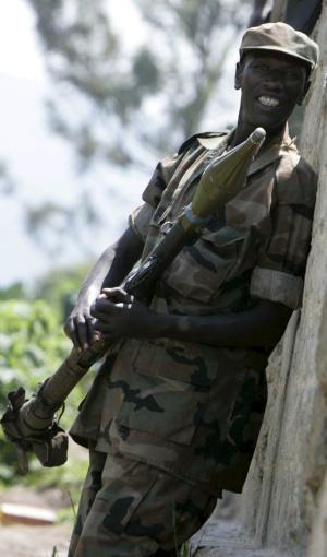 Un soldado rebelde, en una foto de 2008 tomada en el norte de Kivu.