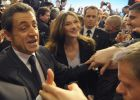 Sarkozy acelera su campaña con un baño de masas en Marsella