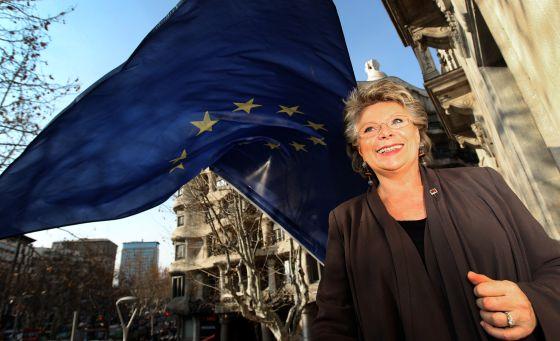 La comisaria europea de Justicia, Viviane Reding, en la oficina de la UE en Barcelona.