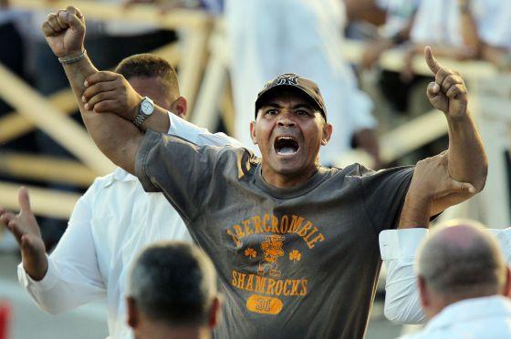 Andrés Carrión, en el momento de gritar '¡abajo el comunismo!' ante el Papa en Santiago de Cuba el pasado 26 de marzo.