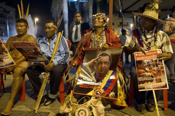Ritual indígena por la salud de Chávez en Caracas.
