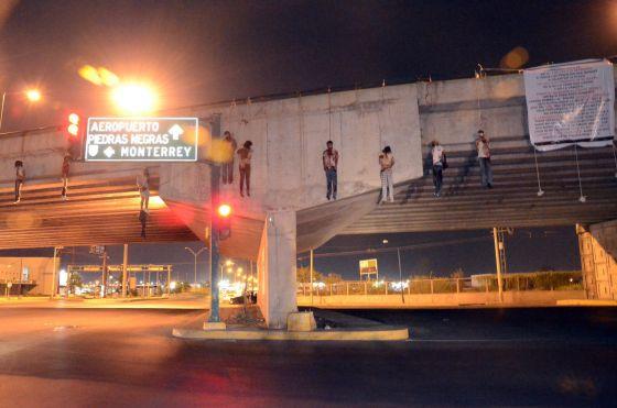 Los cuerpos de nueve personas hallados esta mañana en Nuevo Laredo (Tamaulipas).