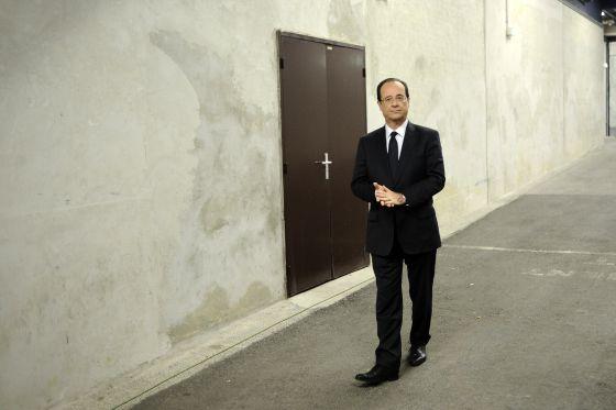 François Hollande antes de un mitin.