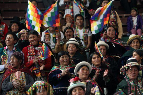 Indígenas participan en el Día de Lucha Contra el Racismo, en La Paz.