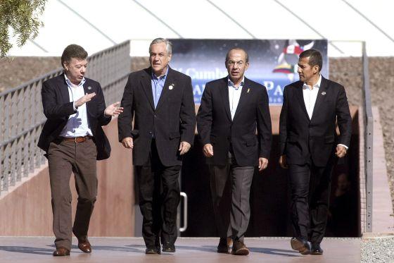 Los presidentes de Colombia, Juan Manuel Santos; de Chile, Sebastián Piñera; de México, Felipe Calderón; y de Perú, Ollanta Humala.