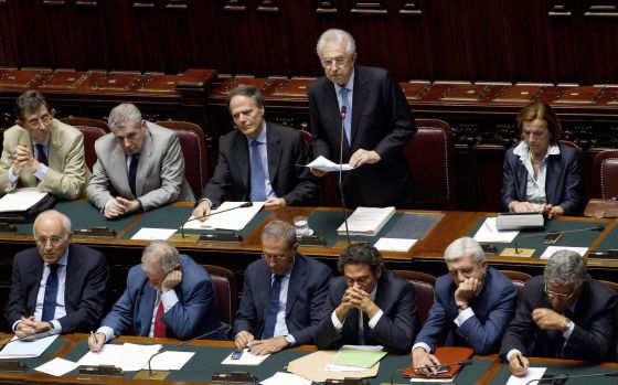 Monti en su interviene ante el parlamento en Roma el pasado jueves.