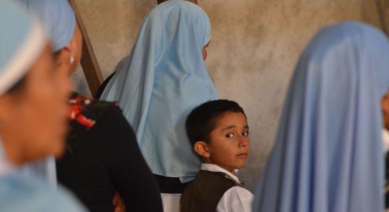 Un niño durante una misa el domingo en Nueva Jerusalén (México).