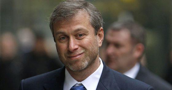 Abramovich llega a la corte de Londres en 2011.