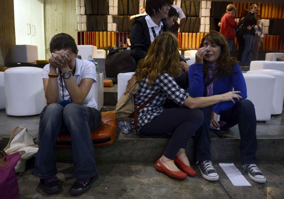 Caras de decepción en la sede de campaña de Henrique Capriles, en Caracas.
