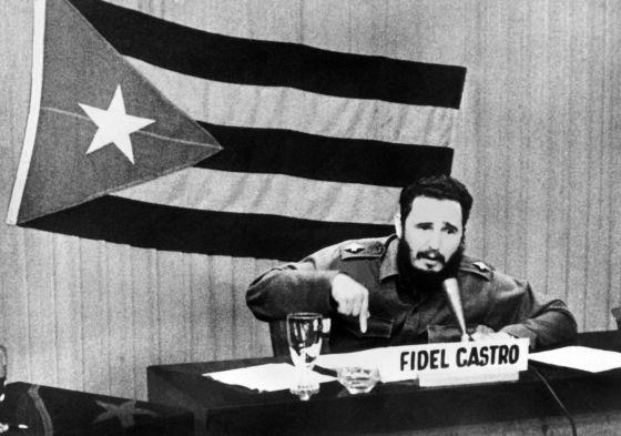 Fidel Castro da un discurso en Cuba en plena crisis de los misiles.
