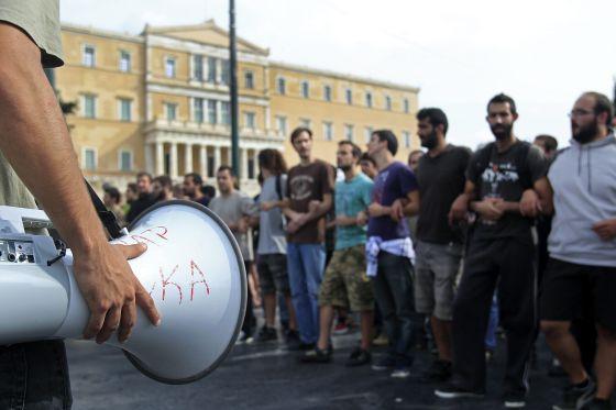 Universitarios griegos en una manifestación contra la austeridad en Atenas.