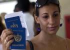 Cuba dejará de exigir el permiso para salir del país