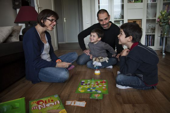 La familia Auchere, que se ha mudado fuera de París para capear el temporal de la crisis.