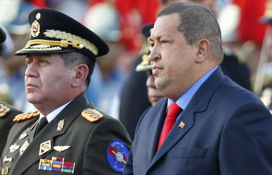 El general Rangel Silva (izquierda) junto a Hugo Chávez el pasado 17 de enero en Caracas