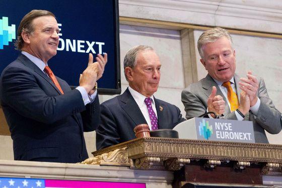 El alcalde Michael Bloomberg abre las operaciones en el NYSE esta mañana.