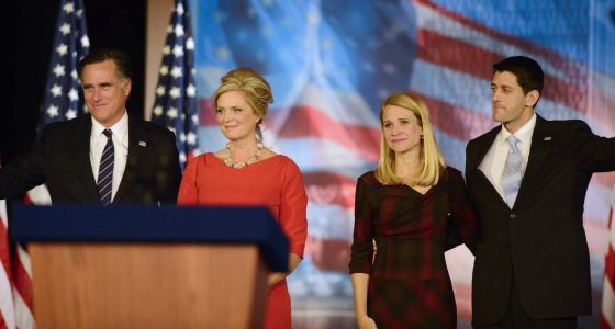 Romney, su esposa junto a Ryan y su mujer, en Boston.