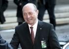 Basescu sopesa si nombra primer ministro rumano a su rival Ponta