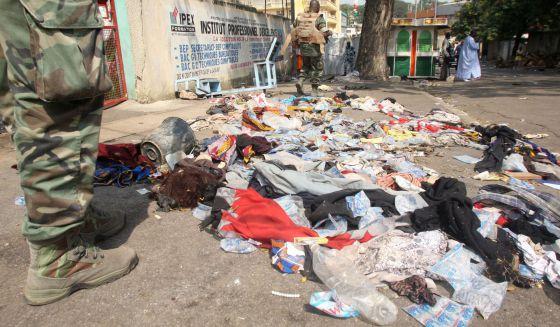 Ropa y otros objetos, en la zona donde se produjo la estampida.