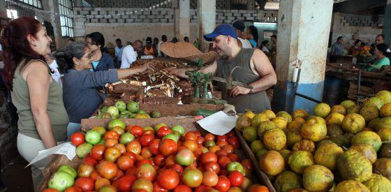 Imagen de un mercado privado en La Habana (Cuba), el primer día del año.