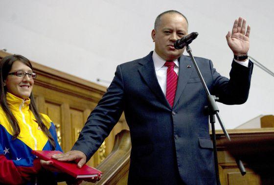 Cabello jura como presidente de la Asamblea Nacional.