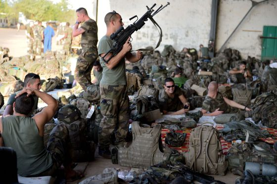 Soldados franceses en Bamako este lunes.