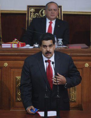 Maduro se dirige a la Asamblea en la presentación el martes de las cuentas de 2012.